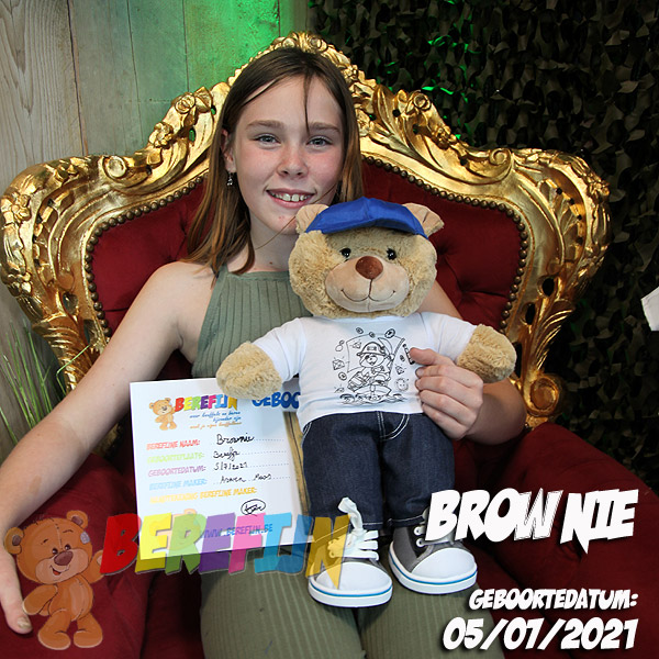Berefijn knuffeldier Browny – build a bear - teddybeer - Teddy Mountain - Lier - Meisje Djamila - DIY - sneakers - jeans - pet - piraat