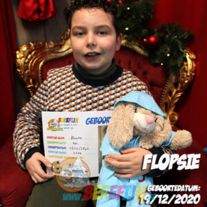 Berefijn knuffeldier Flopsie – teddybeer - Teddy Mountain - Lier - konijn - kleding - regenjas - regenlaarzen