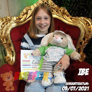 Berefijn knuffeldier Flopsie – teddybeer - Teddy Mountain - Lier - konijn - build a bear workshop - hoodie - Meisje Djamila - DIY