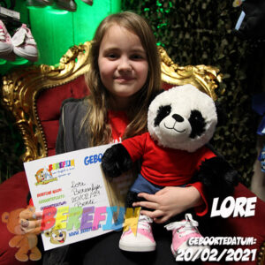 Bamboo – build a bear workshop - teddybeer - Teddy Mountain - Lier - pandabeer - cuddles & friends - shirt - sneakers - By Jill