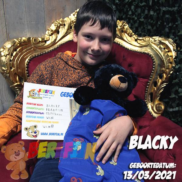 Berefijn knuffeldier Benjamin – build a bear - teddybeer - Teddy Mountain - Lier - beer - black bear - slaapzak - DIY - knuffelbeer